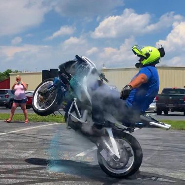 Bill Dixon blows radiator hose doing no-handed wheelie at Yamaha of Camp Hill with SV Media Films