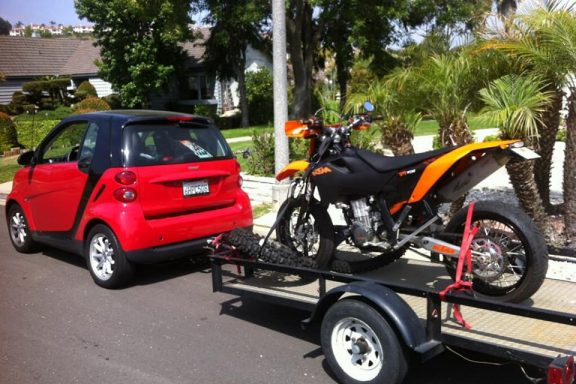 smart car hauling supermoto