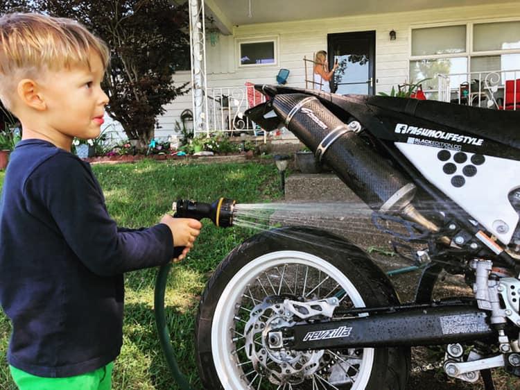 Little man bike wash 💦💦